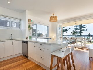 Lovely 3-Bed Unit with Balcony Facing Manly Beach