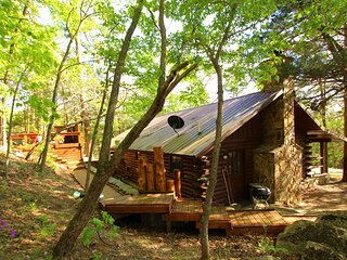 Cinnamon Valley - 'The Lake House'