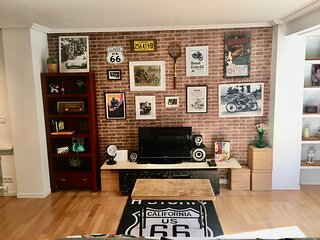 Rock & Motorbike lovers ' Apartment' with Parking