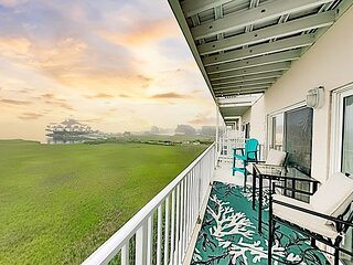 The Maresol | Sunset Bay-View Balcony | Pool & Pier | 4 Min Walk to Beach