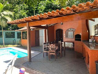 Casa com lazer em condom. fechado de Guapimirim,RJ
