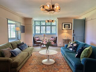 Large family holiday home in Kingsdown, sleeping 8 guests