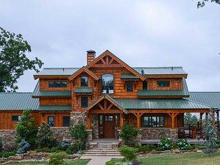 Luxury Family Retreat - Greers Ferry Lake!