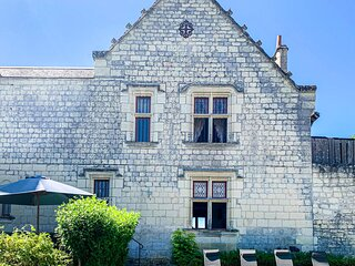 Stunning home in Chinon with WiFi and 3 Bedrooms (FEI018)