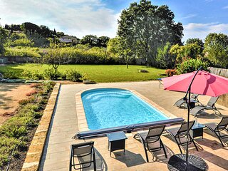 Amazing home in Aubarne Sant.Anastasie with WiFi, 3 Bedrooms and Outdoor swimmin