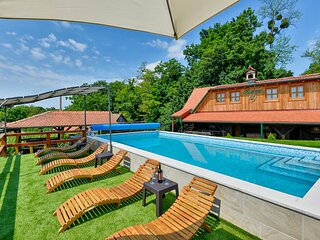 Beautiful home in Klanjec with WiFi, 3 Bedrooms and Outdoor swimming pool (CCC24
