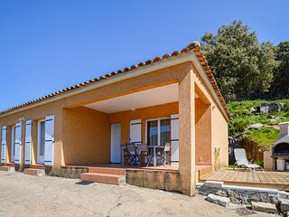 Awesome home in Casalabriva with WiFi and 3 Bedrooms (FKO233)