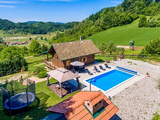 Awesome home in Krapinske Toplice with Outdoor swimming pool, WiFi and 2 Bedroom