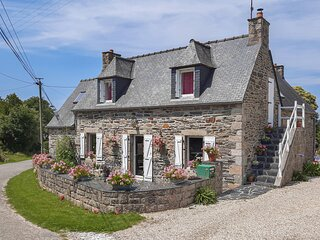 Nice home in Morlaix with WiFi and 3 Bedrooms (FBF507)