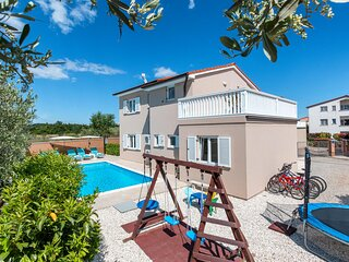 Awesome home in Loborika with WiFi and 3 Bedrooms (CIC186)