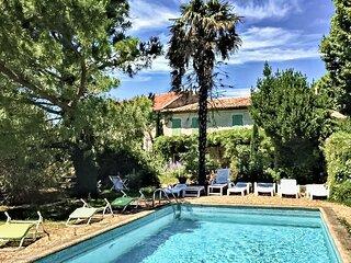 Nice home in Route de Camaret with Outdoor swimming pool, Outdoor swimming pool