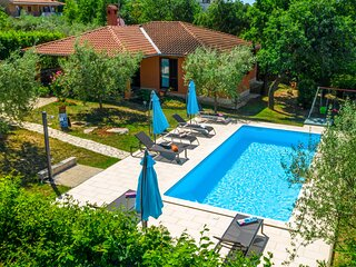 Amazing home in Sv.Lovrec with WiFi and 3 Bedrooms (CIL309)