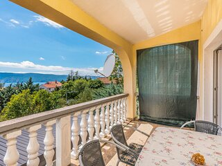 Beautiful home in Pinezici with WiFi and 2 Bedrooms (CKK271)