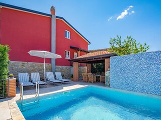 Stunning home in Vizinada with WiFi and 2 Bedrooms (CIC282)