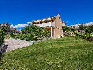 Awesome home in Pag with 3 Bedrooms (CKP566)