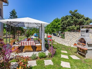 Beautiful home in Medulin with WiFi and 3 Bedrooms (CIM431)