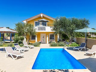 Stunning home in Buje with WiFi and 2 Bedrooms (CIU295)