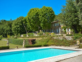 Amazing home in La Roque D'Antheron with WiFi and 9 Bedrooms (FPB169)