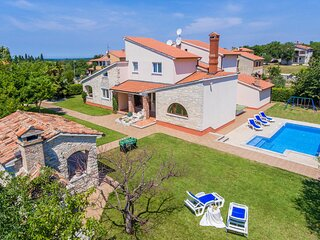Awesome home in Sv.Lovrec with WiFi and 4 Bedrooms (CIL486)