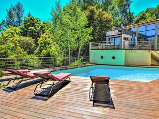 Stunning home in Sauveterre with Outdoor swimming pool, WiFi and 4 Bedrooms (FLG