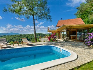 Stunning home in Lepoglava with Outdoor swimming pool, Sauna and 2 Bedrooms (CCC