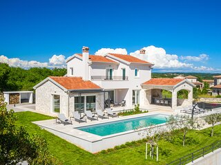 Stunning home in Sveti Lovrec with Outdoor swimming pool and 4 Bedrooms (CIC987)
