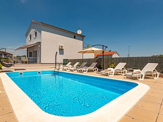 Awesome home in Kaocine with Outdoor swimming pool, WiFi and Outdoor swimming po