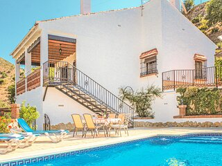 Nice home in Alora-El Chorro with 3 Bedrooms (EAC062)