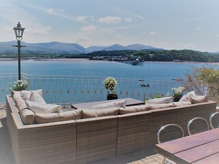 ANGLESEY BEACH HOUSE PRIVATE BEACH SEA FRONT SLEEPS 13 AMAZING VIEWS
