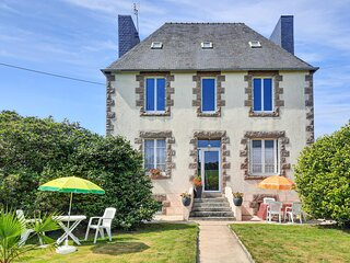 Awesome home in Ploujean with 3 Bedrooms (FBF042)