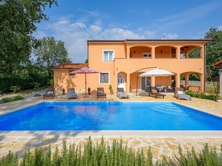 Beautiful home in Sv.Lovrec with WiFi and 3 Bedrooms (CIC141)