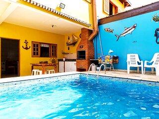 Casa na praia com Wi-Fi, piscina e churrasqueira