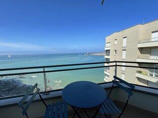 Petit cocon, en front de mer, centre-ville, 4 couchages, garage et ascenseur