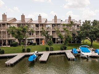 Lakeside Family Condo Near Horseshoe Bay Resort