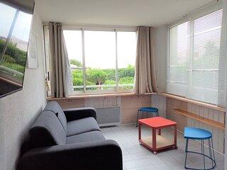 T2 residence a 200 m des plages / Parking / terrain de tennis