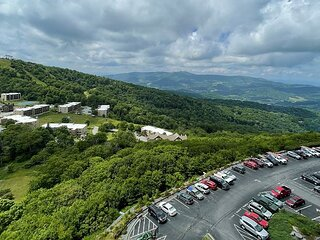 Sugar Top 2805 on 8th floor features slope views. Rented by Sugar Mtn Lodging