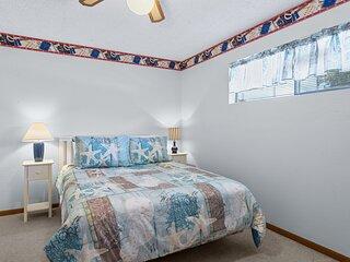 Southwood Shores 217-2C - Cozy Condo in Great Location!