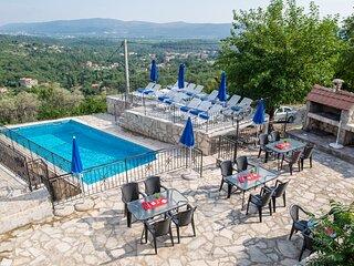 Palma Gora -  5 unique stone apartments with pool, sea and mountain views