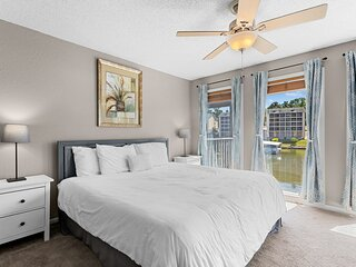 Southwood Shores 103-3D - Beautifully Updated Waterfront Condo!