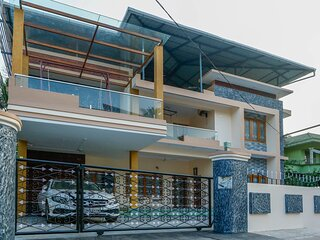 Posh 6 BHK villa at BELLJEM Homes in a housing colony inside city