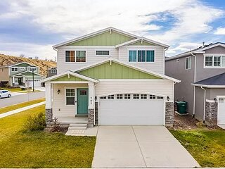 Beautiful Home Convenient Location - Luxury Home at an Affordable Price!
