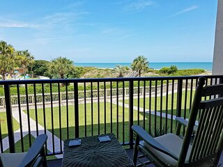 Oceanfront Townhouse-style Condo, Balcony, Patio, Elevator, Pool, Resort Setting