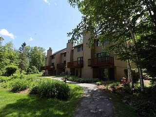 Waterville Valley Pet Friendly Vacation Condo close to Community Center! - WHB16