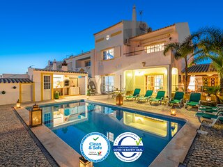 Villa Gale Sun - 5bed with free wifi, AC, private pool, 5 min from the beach