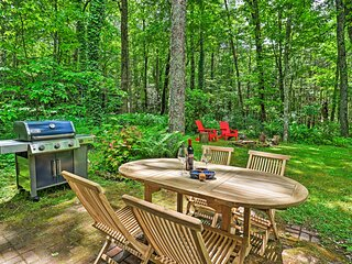 NEW! Cozy Highlands Escape - 1 Mile to Downtown!
