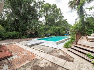 Cozy 1 BR APT in Gainesville! Short Walk from UF Campus And Midtown!