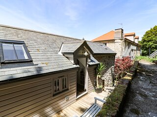 1 THE BRASS BOLT SHOP, immaculate Grade II listed cottage, in 5 acres of