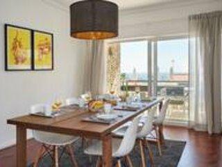 Ocean View II - sleeps 6, great location!, vacation rental in Parede