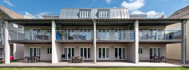 Somerford Keynes Town House Sleeps 4 - 5893121, vacation rental in Kemble