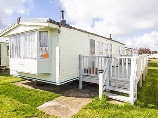 8 berth caravan for hire with decking at Manor Park in Hunstanton ref 23069C